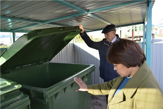 В Яльчикском районе началась установка новых контейнеров