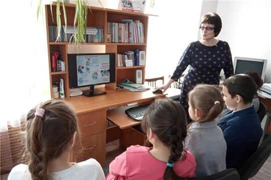 Информационно-познавательный час «Безопасный интернет - детям»