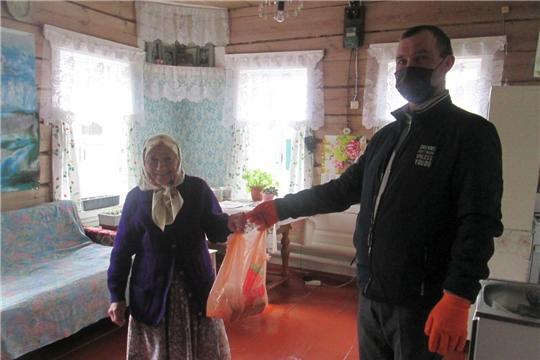 В Алатырском районе организована доставка продуктов питания пожилым людям
