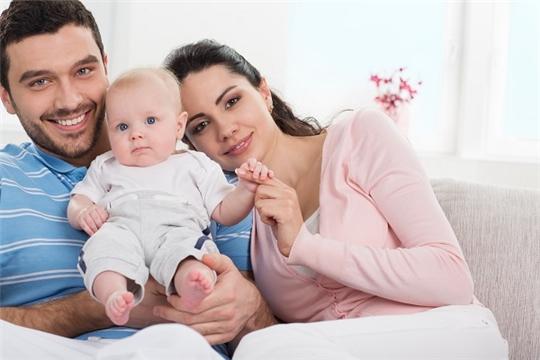 Продолжается предоставление ежемесячной выплаты на первого ребенка