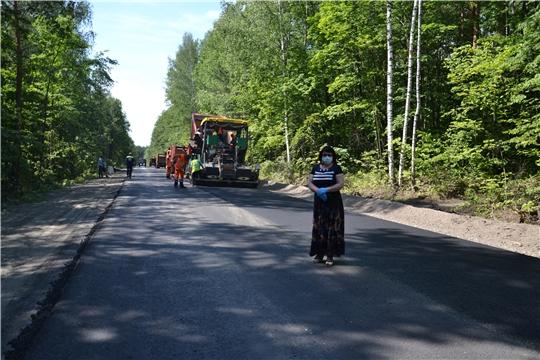 Работы по ремонту дорог в районе продолжаются