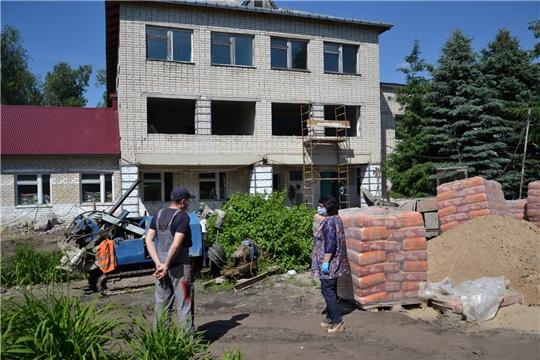 Продолжается работа по капитальному ремонту здания МБОУ «Ахматовская СОШ»