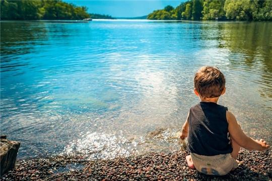 Не оставляйте детей без присмотра во время отдыха у водных объектов