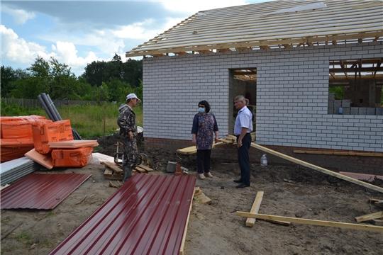 В Алатырском районе ведется строительство дома для многодетных семей