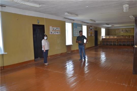 Глава администрации района проинспектировала ремонт учреждения культуры
