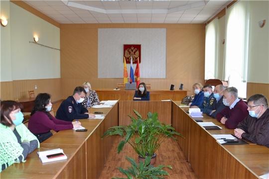 Заседание комиссии по делам несовершеннолетних и защите их прав администрации Алатырского района