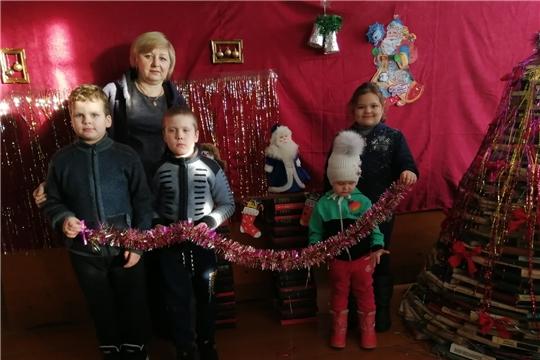 Новогоднее настроение в Иваньково-Ленинской сельской библиотеке
