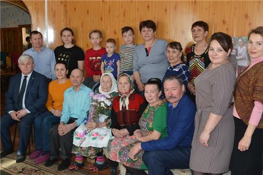 Жительницы Тойсинского сельского поселения отмечают свой юбилей.