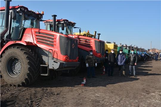 В Батыревском районе продолжается комиссионный осмотр готовности сельскохозяйственной техники