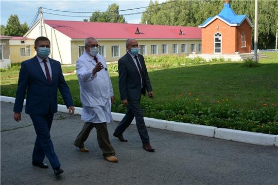 Министр здравоохранения республики посетил Батыревский район