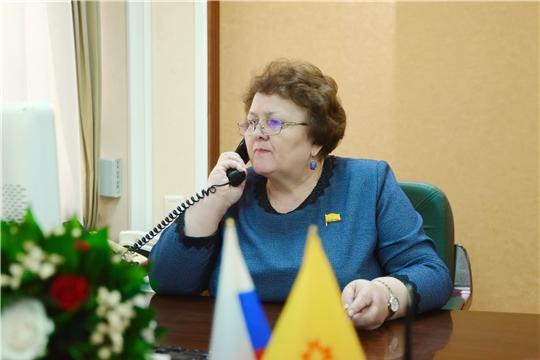 Председатель Госсовета Альбина Егорова обеспечила 10 многодетных семей Чебоксарского района продуктовыми наборами