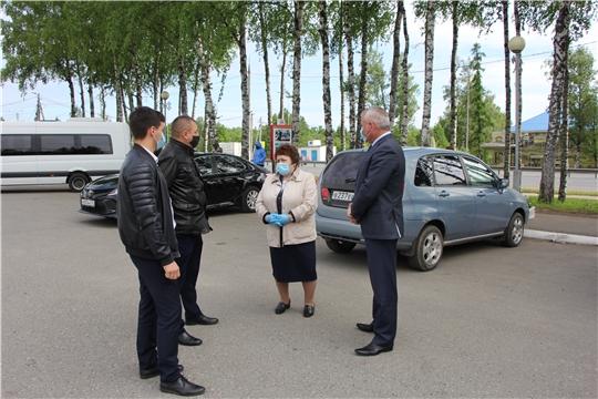 Спикер парламента Альбина Егорова ознакомилась с противоэпидемическими мероприятиями, проводимыми в Чебоксарском районе