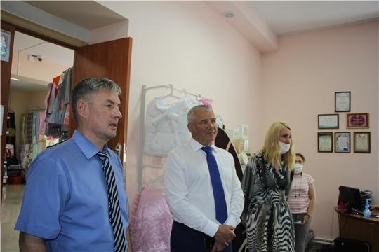 Министр промышленности и энергетики Чувашской Республики  Сергей Лекарев посетил предприятия Чебоксарского района.