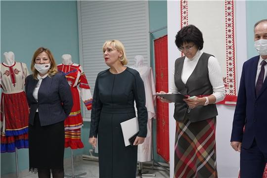 Новая выставка «Вековые узоры фабрики «Паха тере»