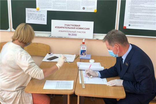 Глава города Чебоксары Евгений Кадышев проголосовал за внесение поправок в Конституцию РФ