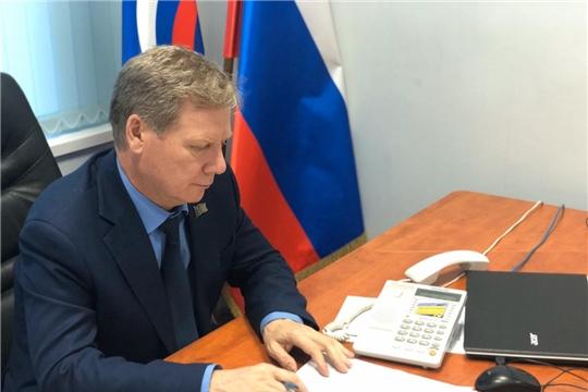 На дистанционном приеме граждан к Евгению Кадышеву обращаются по вопросам изменений, вносимых в Конституцию РФ