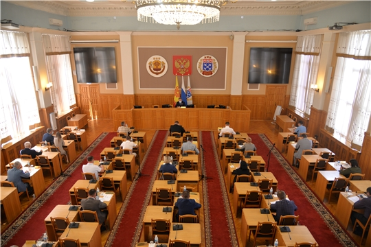 Евгений Кадышев провел заседание всех постоянных комиссий