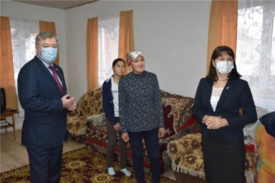 Уполномоченный посетила многодетные семьи в Ядринском районе