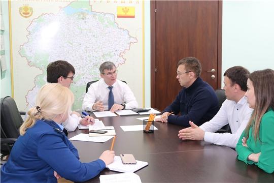 Министр Александр Героев встретился с застройщиками ряда проблемных объектов