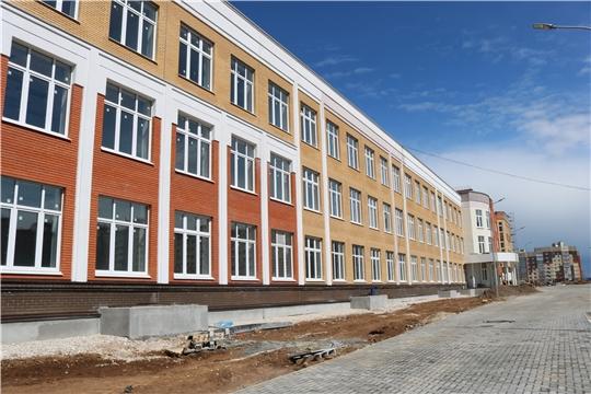 Министр Александр Героев проинспектировал строительство школы в микрорайоне «Новый город»