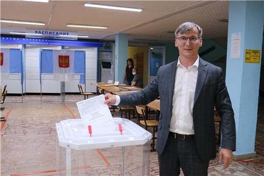 Министр Александр Героев принял участие в голосовании по поправкам в Конституцию Российской Федерации