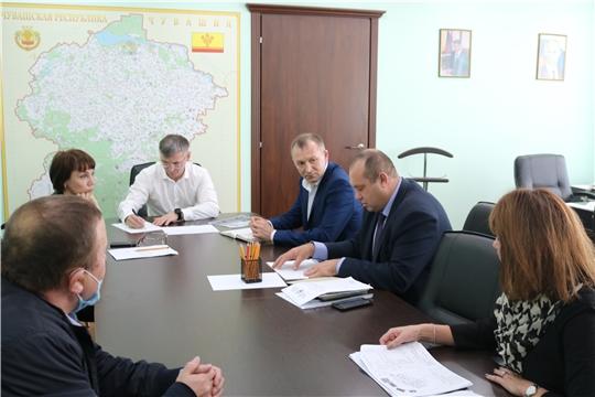 В Минстрое Чувашии прошло совещание по вопросам завершения благоустройства в Ибресинском и Шемуршинском районах
