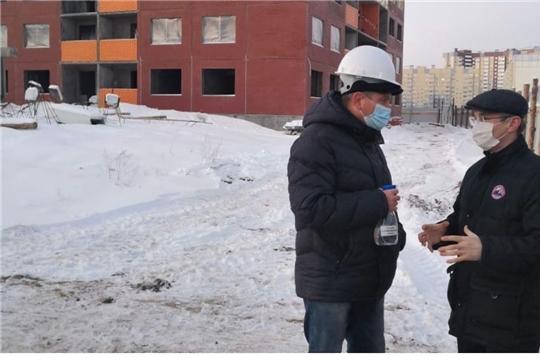 Министр Александр Героев проверил соблюдение эпидемиологических норм на стройплощадках микрорайонов «Солнечный» и «Ясная поляна»