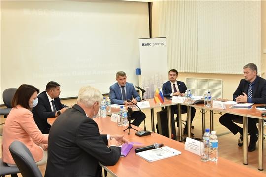 Олег Николаев посетил ОАО «ВНИИР»