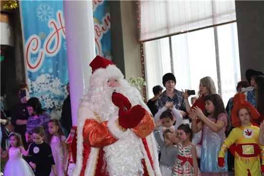 г. Алатырь: городской Дворец культуры пригласил юных алатырцев на новогоднее представление