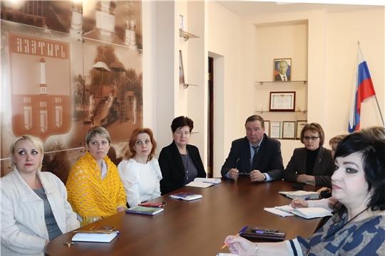 Работники алатырской администрации ознакомились с Посланием Президента России В.В. Путина Федеральному Собранию