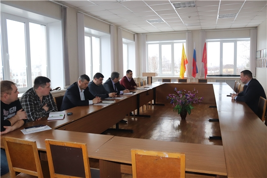 Глава алатырской администрации В.И. Степанов провёл рабочую встречу с руководителями предприятий сферы ЖКХ