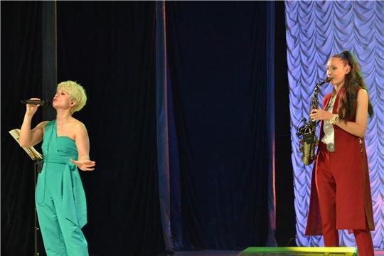 С новой сольной программой выступила в Алатыре Заслуженный деятель искусств Чувашской Республики, лауреат Всероссийских конкурсов Наталья Яклашкина