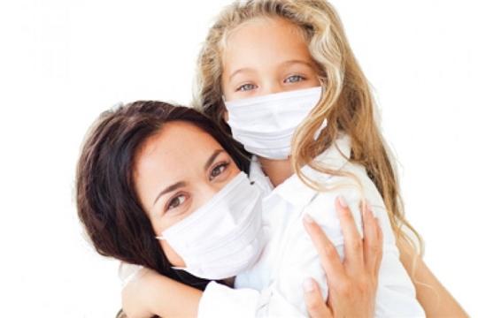 Использование одноразовой маски снижает вероятность заражения гриппом, коронавирусом и другими ОРВИ