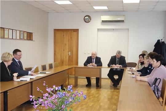Глава алатырской администрации В.И. Степанов обсудил важные вопросы с работниками образования, руководителями ТОСов и управляющих кампаний