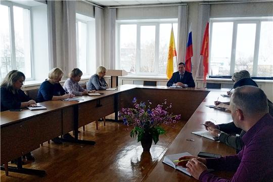 Глава администрации города Алатыря В.И Степанов провёл рабочее совещание с начальниками отраслевых отделов мэрии