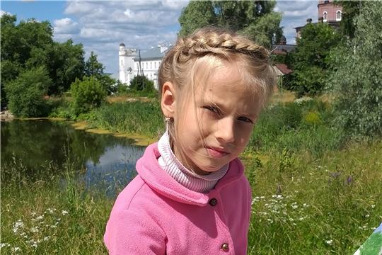 г. Алатырь: воспитанница детского сада «Светлячок» Дарья Ведяшёва – победитель Международного детского художественного конкурса рисунков «Крылатые соседи, пернатые друзья»