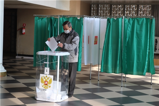 В Алатыре на 18 часов проголосовало 38,94% избирателей