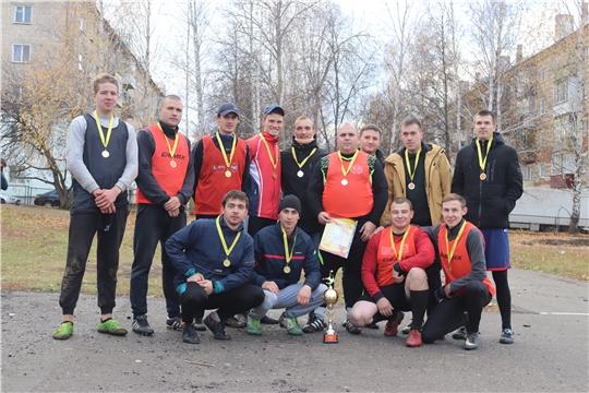 В Алатыре прошёл первый турнир по миди-футболу среди любительских команд, посвящённый памяти Эдуарда Гарцева, погибшего при исполнении воинского долга в Чечне