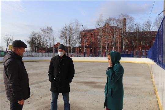 г. Алатырь: на особом контроле – работы по благоустройству, подготовка хоккейной коробки к сезону