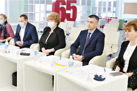 Начальник управления образования Дмитрий Захаров провел совещание директоров