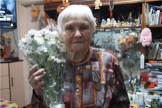 В Калининском районе поздравили ветерана Великой Отечественной войны с 90-летием