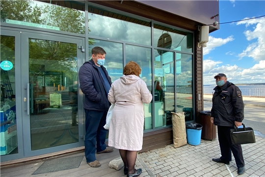 Кафе на Московской набережной работало с нарушением действующего республиканского указа