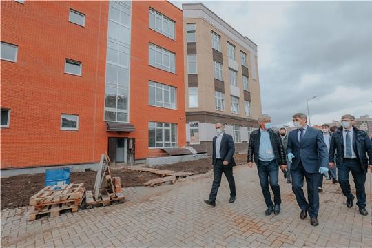 Олег Николаев держит на личном контроле строительство социальных объектов для детей