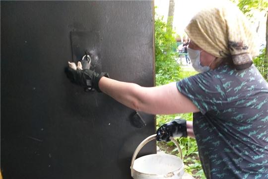 Продолжается санитарная обработка мест общего пользования в чебоксарских домах