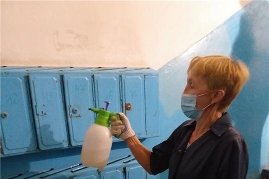 В чебоксарских домах проводится работа по санитарной обработке мест общего пользования