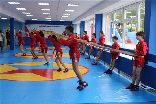 В чебоксарской школе № 2 открыли обновленный спортивный зал