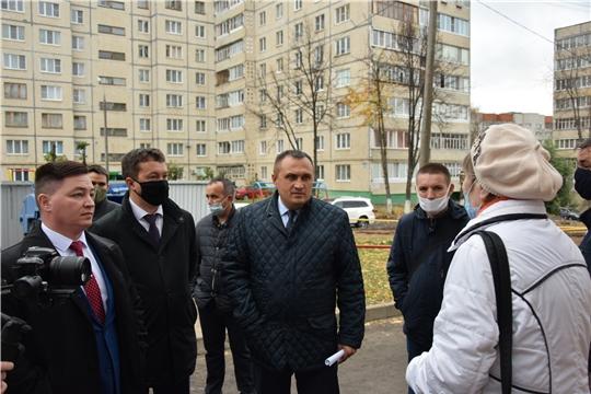 По улице Ахазова в Чебоксарах завершился ремонт дворовой территории