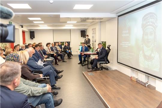 Олег Николаев встретился с представителями туриндустрии Чувашии