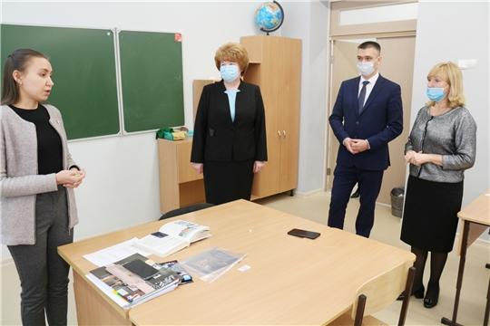 В Чебоксарах проверили готовность школ к дистанционному обучению