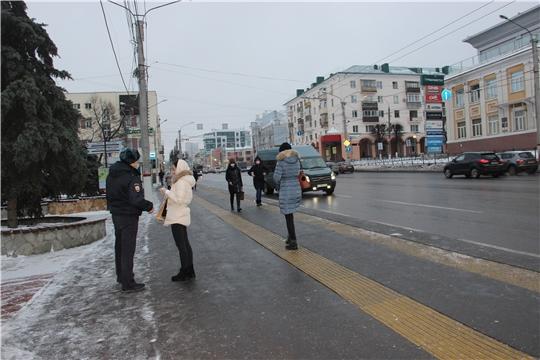 Пассажирам в Чебоксарах напоминали о масочном режиме и в выходные